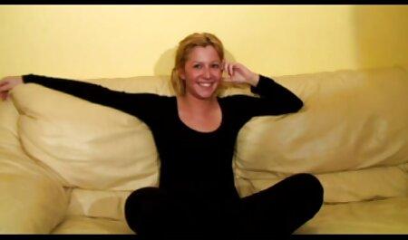 Jessica Jaymes se folla a la sexy Lolly Ink, videos porno de fakings enormes tetas - Spizoo