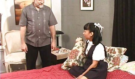 Chica tetona follada por un viejo junto a peliculas xxx completas en castellano su novio dormido