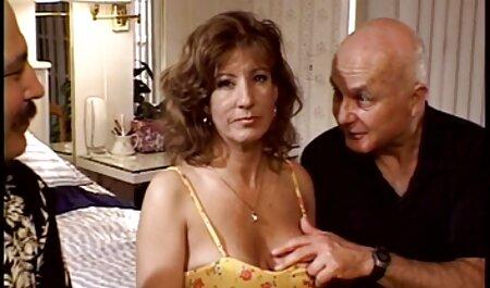 La milf francesa Jeanne Delcourt compilación porno casual español de mamadas
