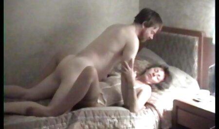 RubberDoll y Ruby Lustre follan porno solo español en un búnker subterráneo con látex
