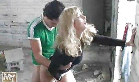chica atada en látex con videos sexo anal en español capucha de goma amordazada jugado por maestro